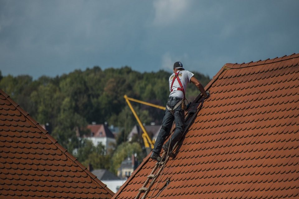 Fatality File: Roofer Falls to His Death